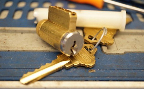 image of lock rekeying locksmith elizabethtown ky
